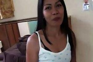 Asian secretary has sex with her boss