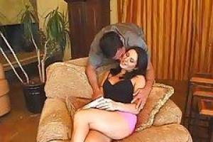 Сексуальная милая Роза Монро сосет и трахается парень